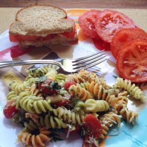 Tomato Sandwich with Pasta Salad
